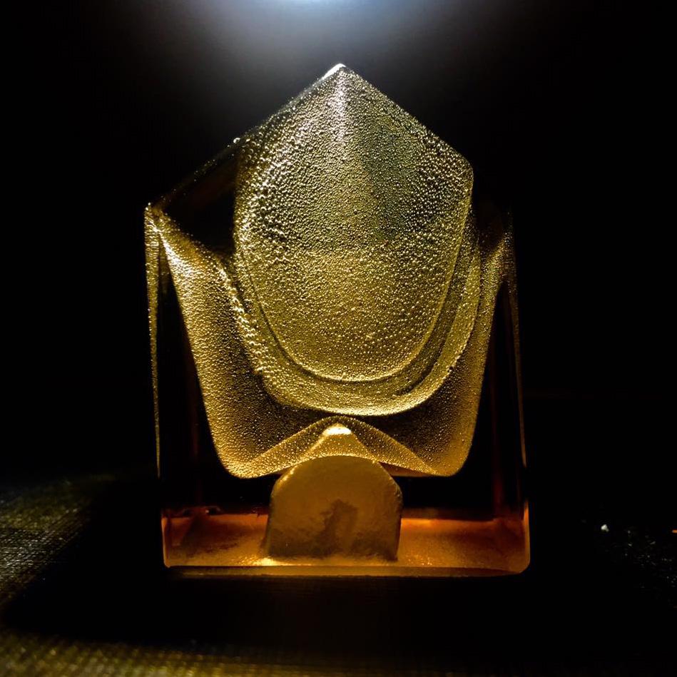 Luis Parades glass artist Escultura en vidrio Glass art