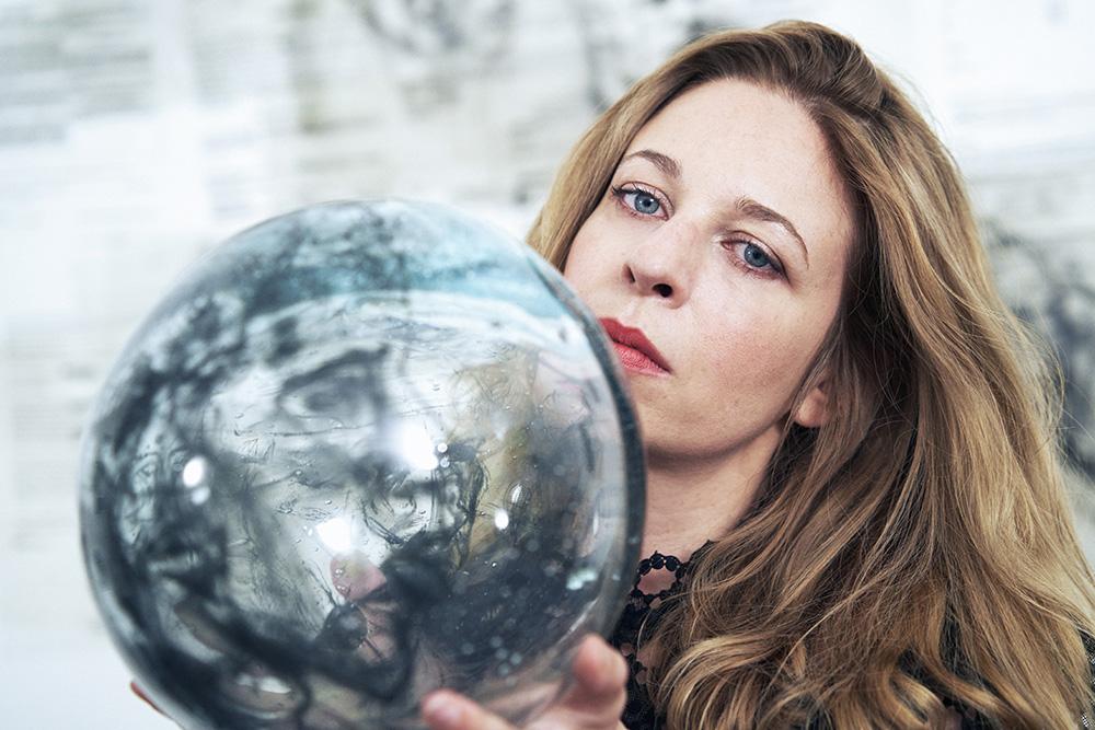 Claudia Vitari Artista Esculturas en vidrio Contemporary Glass Art GLAS Objetos con Vidrio